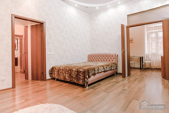 Біля Дерибасівської і Оперного театру, 1-кімнатна (59094), 003