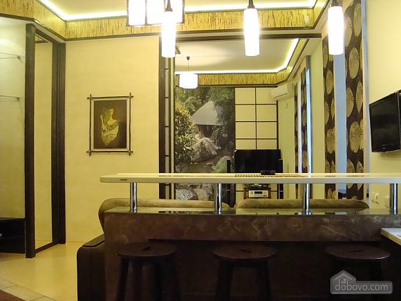 В японском стиле на Крещатике, 2х-комнатная (36775), 001