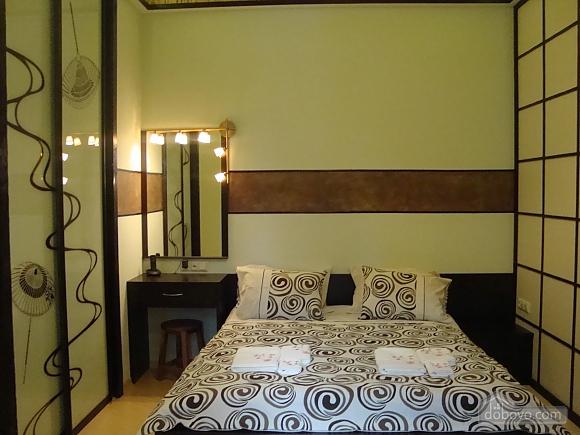 В японском стиле на Крещатике, 2х-комнатная (36775), 002