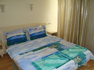 3 Baseina, Deux chambres, 004