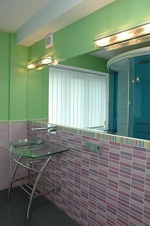 Сімейні апартаменти з однією спальнею, гідромасажною ванною, кухнею та диваном-ліжком, 2-кімнатна, 013