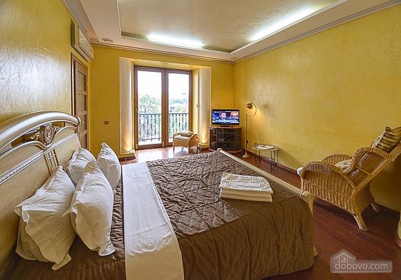 Classic street view original studio apartment with balcony, Studio (37632), 001
