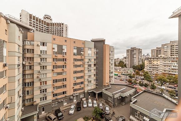 Levoberezhnaya metro station, Studio (60346), 014