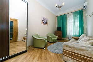 24a Mykhailivska, Zweizimmerwohnung, 003