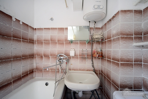 28a Lesi Ukrainky, Un chambre (38291), 007