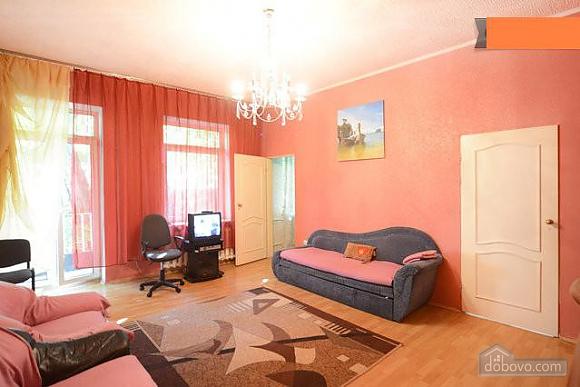 Podil, Two Bedroom (83390), 006