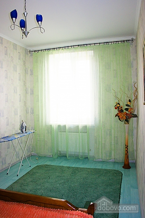 With separate bedroom, Un chambre (61005), 005