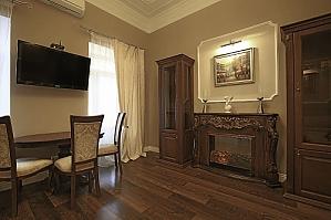 Квартира з чудовим ремонтом, 2-кімнатна, 003