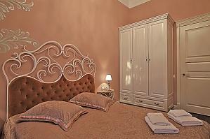 Квартира з чудовим ремонтом, 2-кімнатна, 010