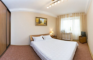 2 Isaakyana, One Bedroom, 003