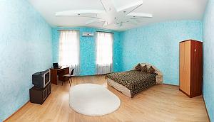 Apartment near Derybasivska, Vierzimmerwohnung, 001