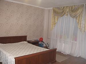 20a Heroyiv Stalingradu apartment, Zweizimmerwohnung, 002