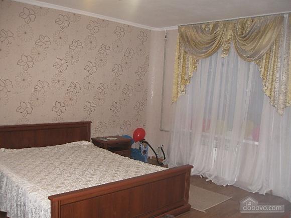 Квартира на проспекті Героїв Сталінграду, 2-кімнатна (16632), 002