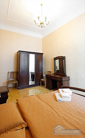 Spacious VIP in the city center, Un chambre (39346), 002