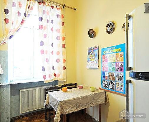 Квартира в центрі, 2-кімнатна (62653), 004