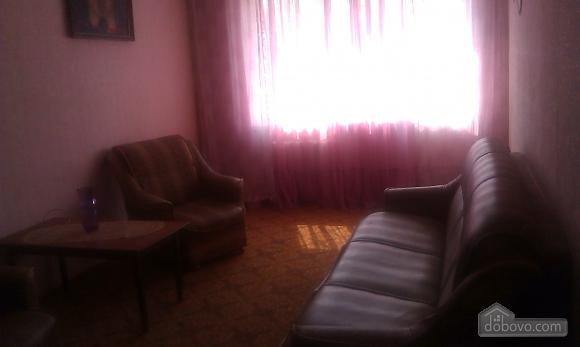 Уютная квартира, 2х-комнатная (85961), 002