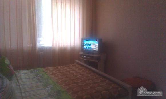 Уютная квартира, 2х-комнатная (85961), 003