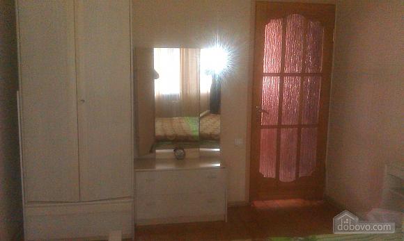 Уютная квартира, 2х-комнатная (85961), 004