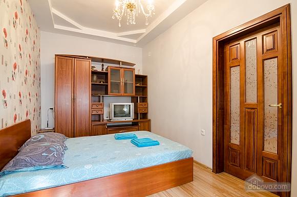 Хорошая квартира в центре, 1-комнатная (41851), 003