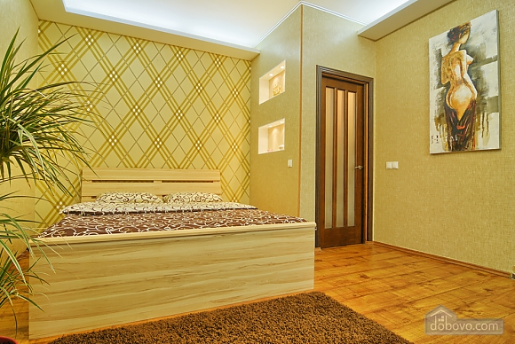 Near Druzhby Narodiv metro station, Studio (42312), 004
