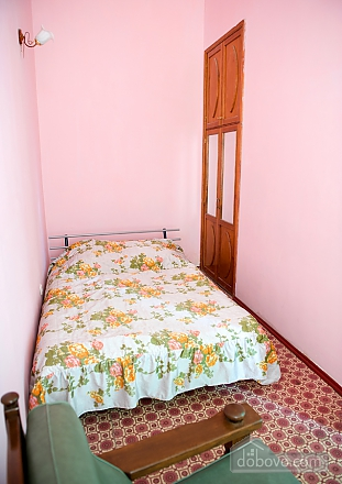 On a crossroad, One Bedroom (21708), 003