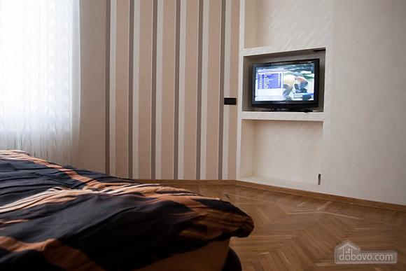 Кватира VIP-рівня в історичному центрі, 3-кімнатна (89388), 009