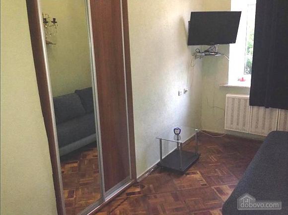Near Bessarabina Square, Un chambre (24806), 002