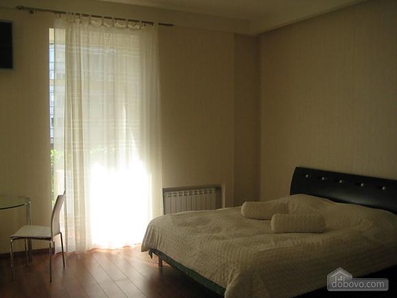 Квартира VIP класса в центре города, 1-комнатная (25597), 001