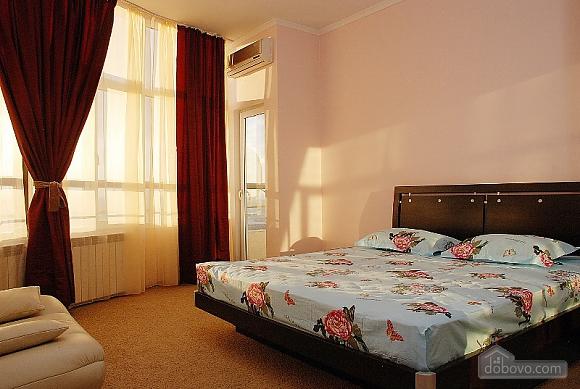 Prestigious apartment, Two Bedroom (70893), 004