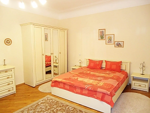 Near Dyuk Monument, One Bedroom, 001