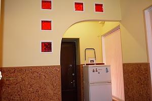 Velyka Arnautska, Studio, 004