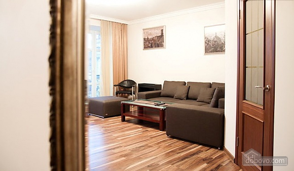 Apartment with designer's renovation, One Bedroom (26652), 006