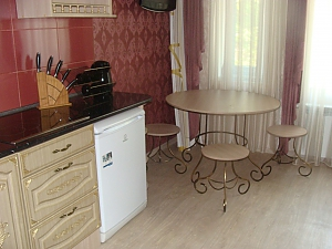 Olhiivska, Studio, 002