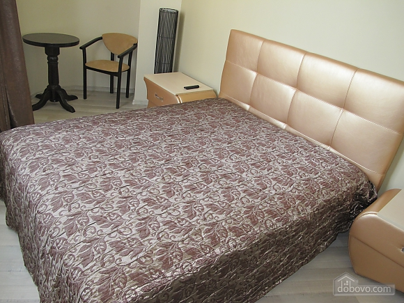 В элитном доме в центре Одессы, 2х-комнатная (27113), 002