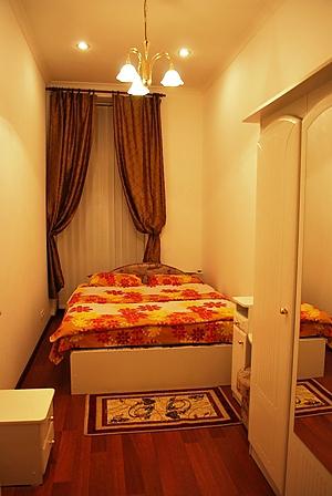 Хороша квартира біля Хрещатика, 2-кімнатна, 002