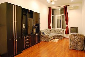 Хороша квартира біля Хрещатика, 2-кімнатна, 001
