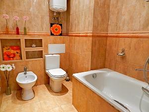 Квартира з каміном, 3-кімнатна, 004