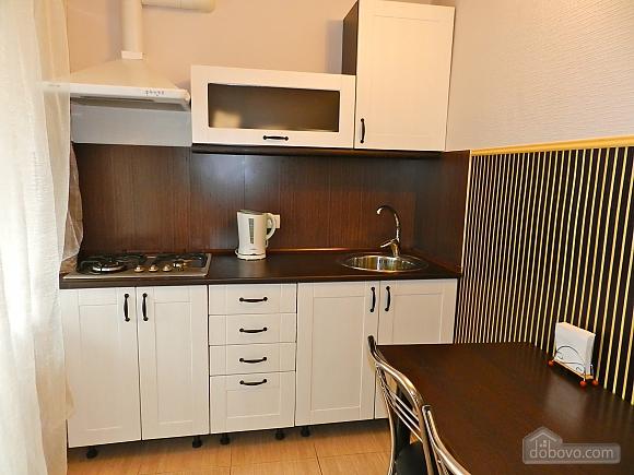 Квартира біля МВЦ, 3-кімнатна (50486), 002