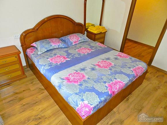 Квартира біля МВЦ, 3-кімнатна (50486), 001