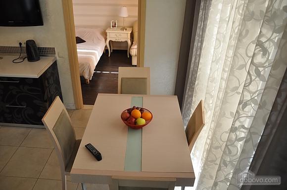 Екатерининская площадь, 3х-комнатная (50750), 004