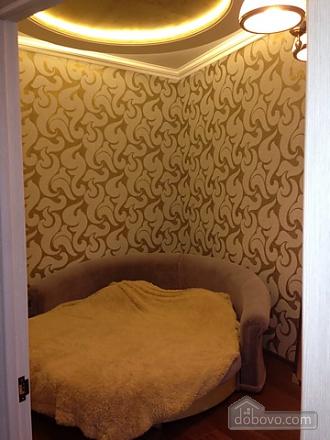 Дерибасовская, 2х-комнатная (28300), 003