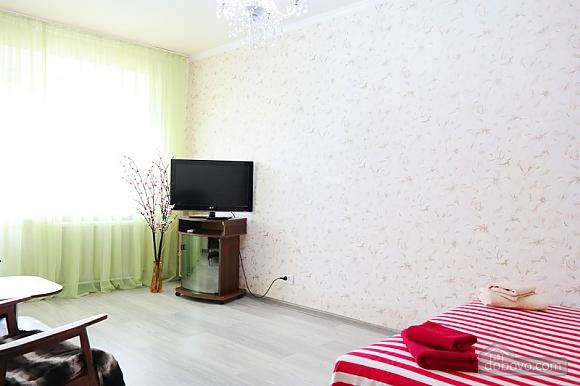 Квартира біля метро Палац Україна, 2-кімнатна (50882), 002