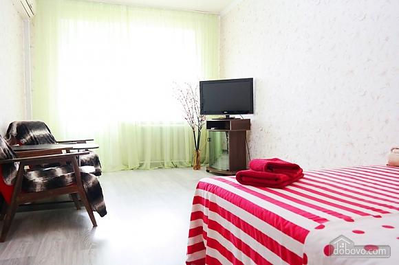 Квартира біля метро Палац Україна, 2-кімнатна (50882), 001
