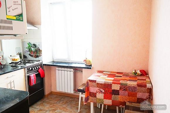 Квартира біля метро Палац Україна, 2-кімнатна (50882), 010