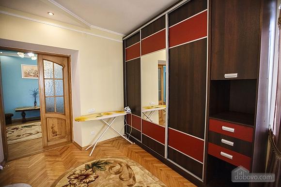 Квартира люкс в центре, 2х-комнатная (73925), 005