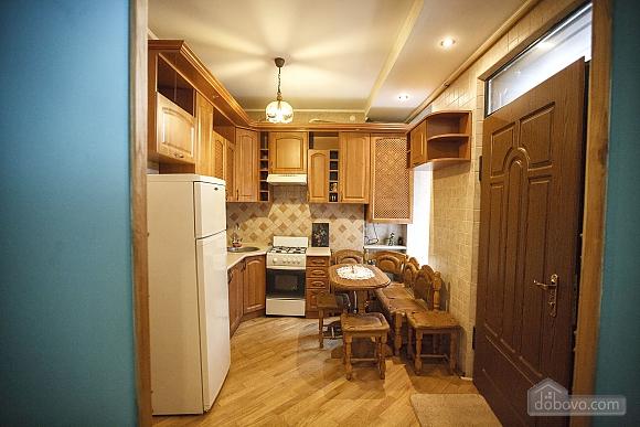Квартира люкс в центре, 2х-комнатная (73925), 007