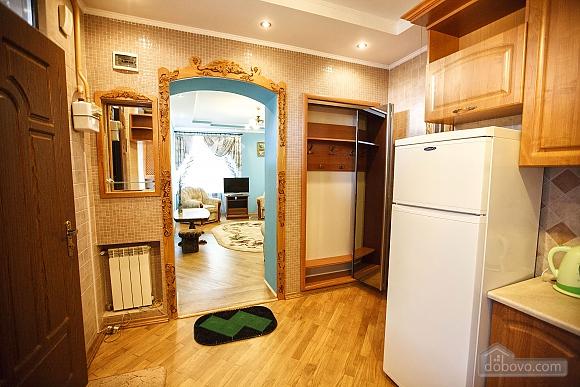 Квартира люкс в центре, 2х-комнатная (73925), 008