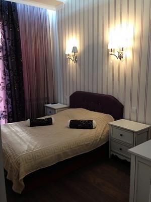 Opera Theatre, One Bedroom, 002