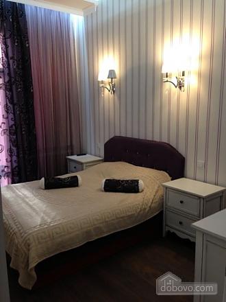 Opera Theatre, One Bedroom (52002), 002