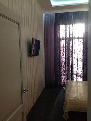 Opera Theatre, One Bedroom, 003